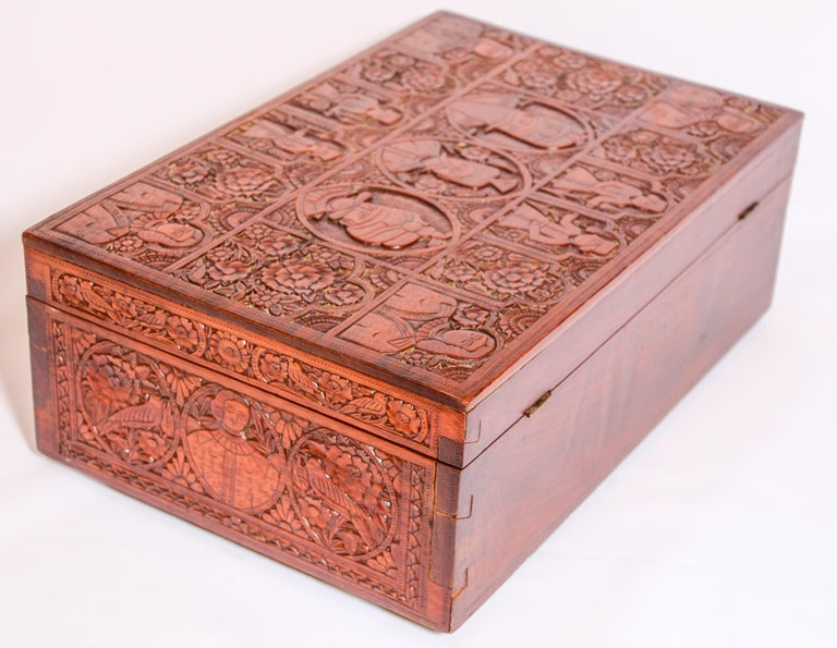 Large Early 19th Century Antique Hand Carved Wooden Mughal Decorative Box For Sale 10
