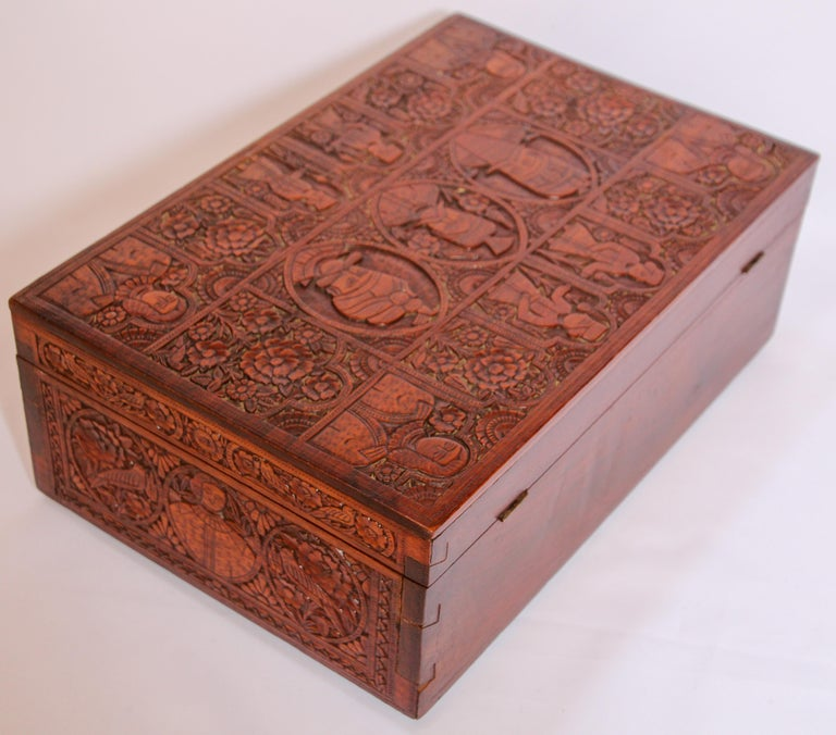 Large Early 19th Century Antique Hand Carved Wooden Mughal Decorative Box For Sale 11