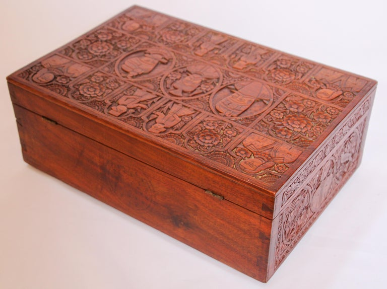 Large Early 19th Century Antique Hand Carved Wooden Mughal Decorative Box For Sale 13