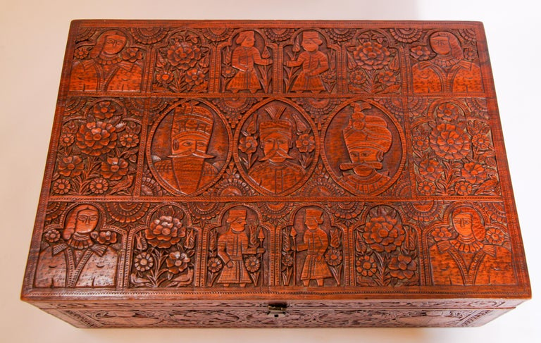 Large Early 19th Century Antique Hand Carved Wooden Mughal Decorative Box For Sale 14