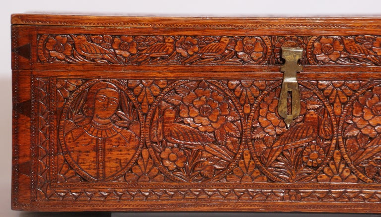 Agra Large Early 19th Century Antique Hand Carved Wooden Mughal Decorative Box For Sale