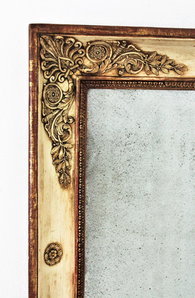 Large Early 19th Century French Empire Parcel-Gilt Beige Rectangular Mirror In Good Condition For Sale In Barcelona, ES