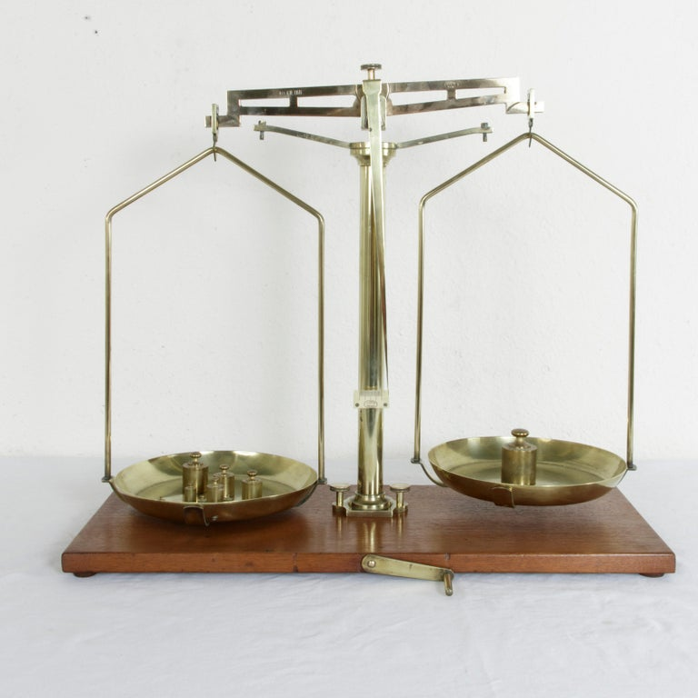 Large Early 20th Century Belgian Set of Brass Scales on Walnut Base with Weights In Excellent Condition For Sale In Fayetteville, AR
