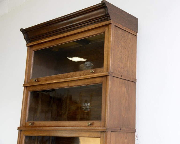 Large Early 20th Century Bookcase by Soennecken For Sale 1