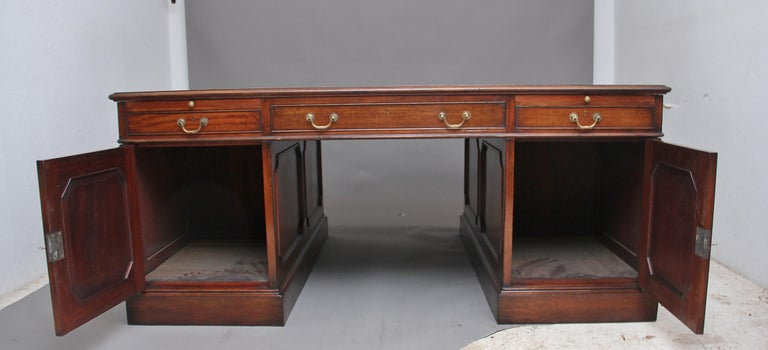 Large Early 20th Century Mahogany Partners Desk For Sale 5