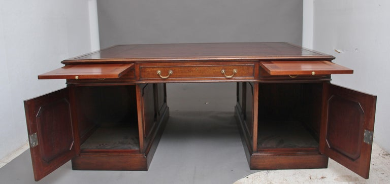 Large Early 20th Century Mahogany Partners Desk For Sale 7
