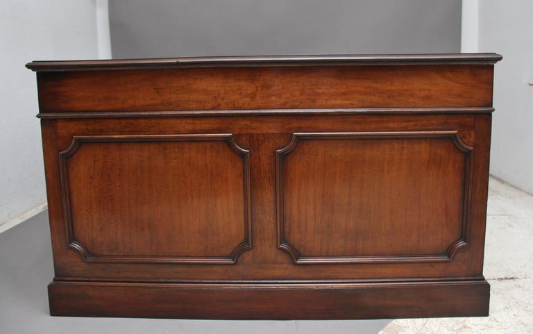 Large Early 20th Century Mahogany Partners Desk For Sale 9