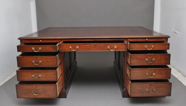 British Large Early 20th Century Mahogany Partners Desk For Sale