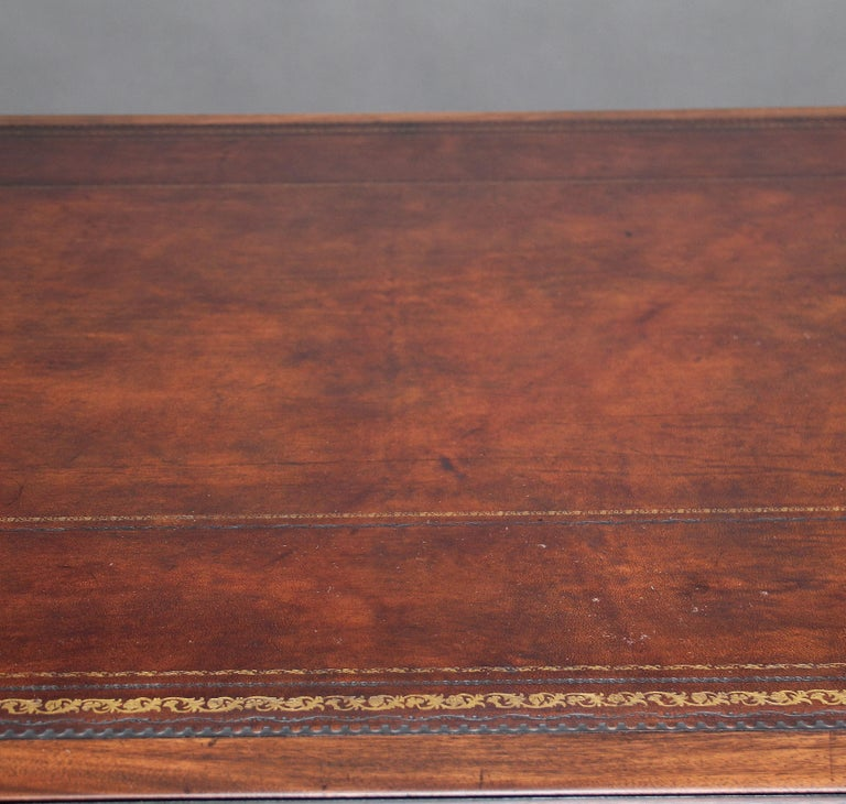 Large Early 20th Century Mahogany Partners Desk For Sale 2