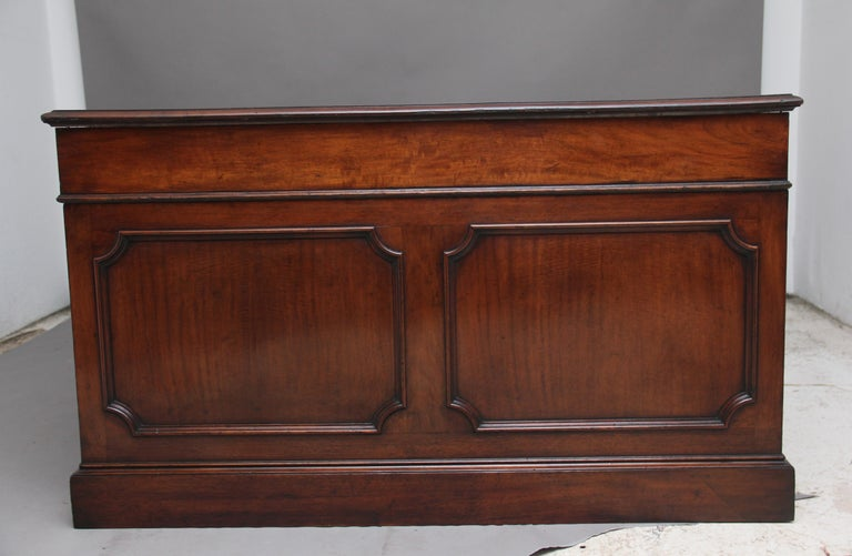 Large Early 20th Century Mahogany Partners Desk For Sale 3