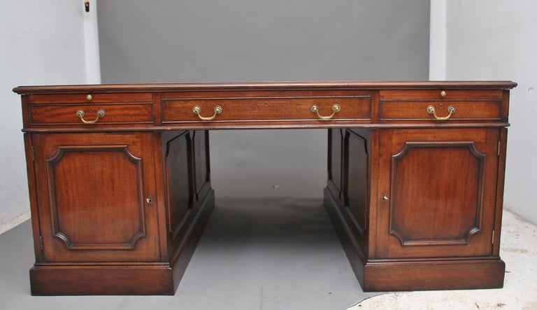 Large Early 20th Century Mahogany Partners Desk For Sale 4