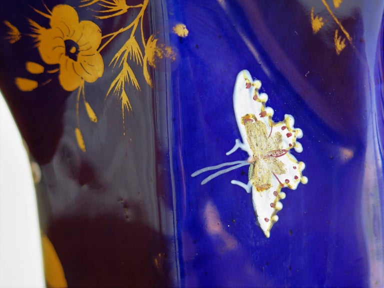 Large Early Masons Ironstone Jug or Pitcher Hand-Painted Butterflies, Circa 1825 For Sale 5
