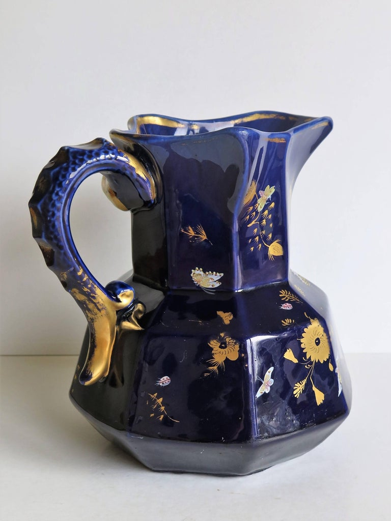 Large Early Masons Ironstone Jug or Pitcher Hand-Painted Butterflies, Circa 1825 In Good Condition For Sale In Lincoln, Lincolnshire