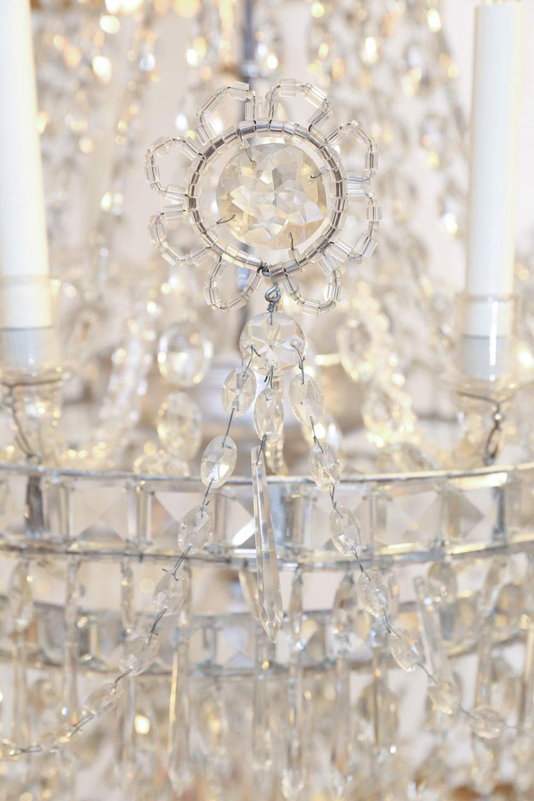 Large Eight-Light Crystal Chandelier In Good Condition For Sale In Houston, TX