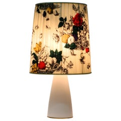 Large Elegant 1960s KPM Table Lamp in Porcelain and Pleated Silk Lampshade