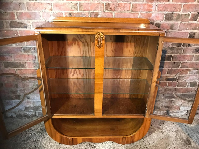 Large English 1930 Art Deco Walnut Display Cabinet in Mint Condition For Sale 3