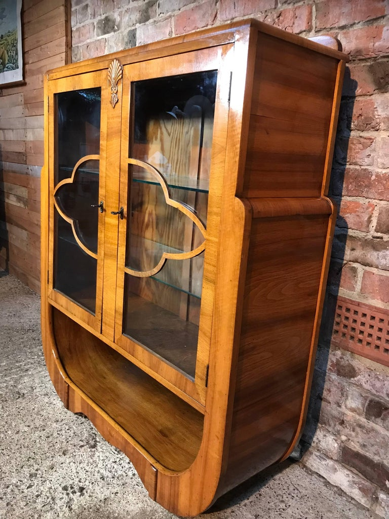 Large English 1930 Art Deco Walnut Display Cabinet in Mint Condition For Sale 4