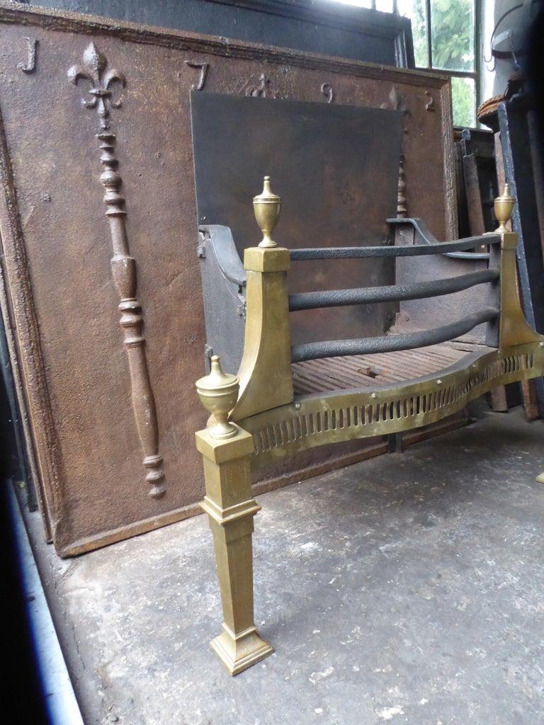 Large English Art Nouveau Fireplace Grate, Fire Grate For Sale 4