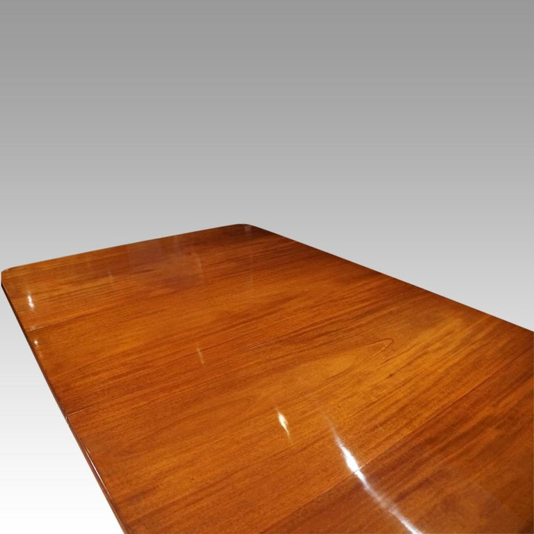Large English Country Mansion Victorian 12+Seat Mahogany Dining Table circa 1860 For Sale 3