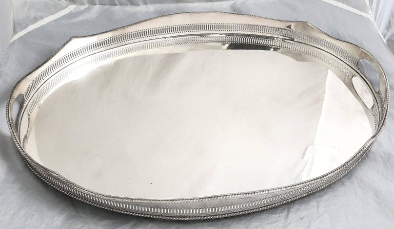 Large English Gallery Serving Tray In Excellent Condition For Sale In Austin, TX