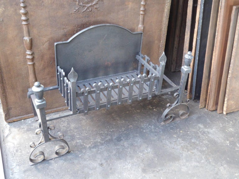 Large English Neo Gothic Fireplace Grate, Fire Grate For Sale 6