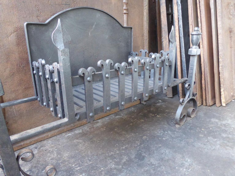 Large English Neo Gothic Fireplace Grate, Fire Grate For Sale 1