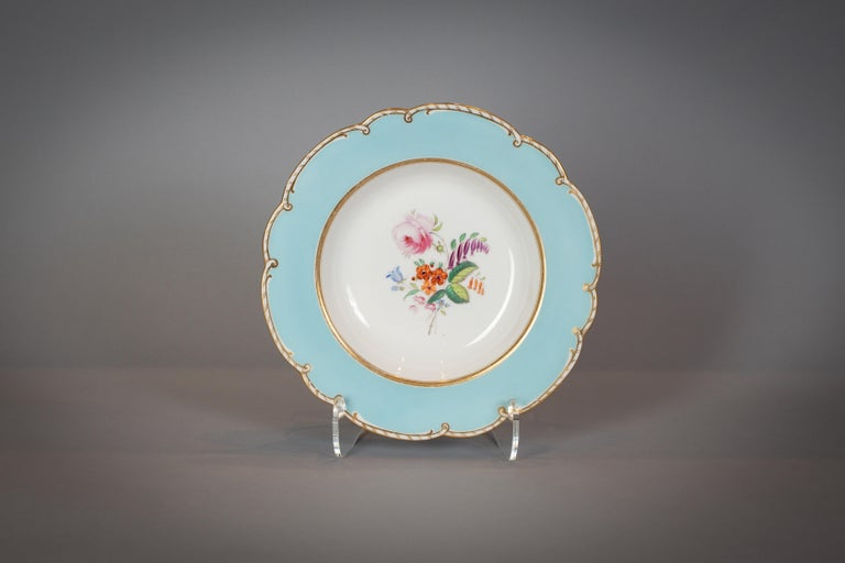 Large English Porcelain Dinner Service, Minton, circa 1845 For Sale 7