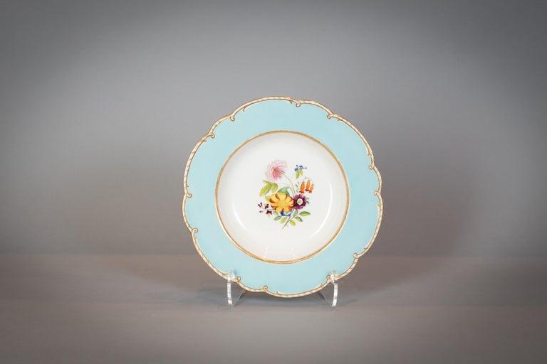 Large English Porcelain Dinner Service, Minton, circa 1845 For Sale 8