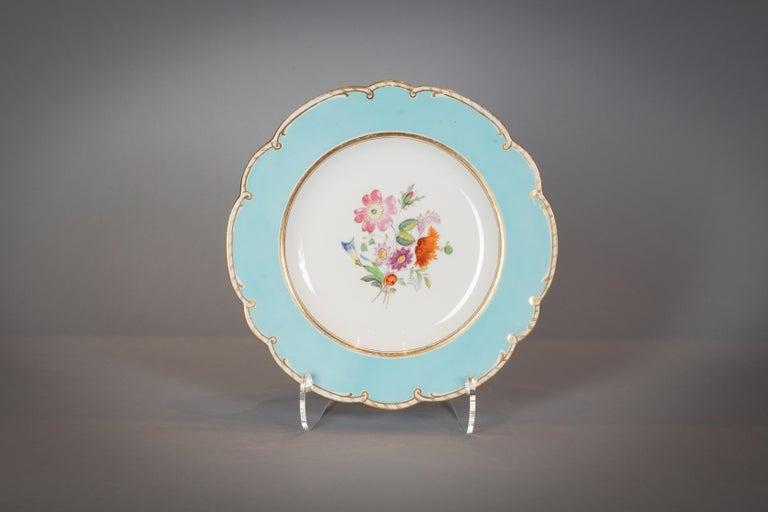 Large English Porcelain Dinner Service, Minton, circa 1845 For Sale 11