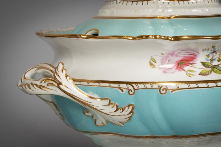Large English Porcelain Dinner Service, Minton, circa 1845 For Sale 12