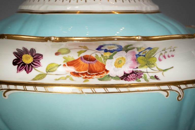 Mid-19th Century Large English Porcelain Dinner Service, Minton, circa 1845 For Sale