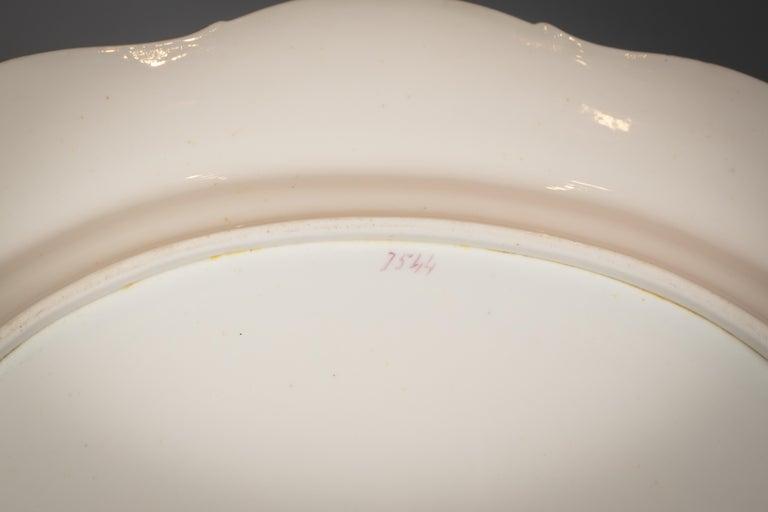 Large English Porcelain Dinner Service, Minton, circa 1845 For Sale 2