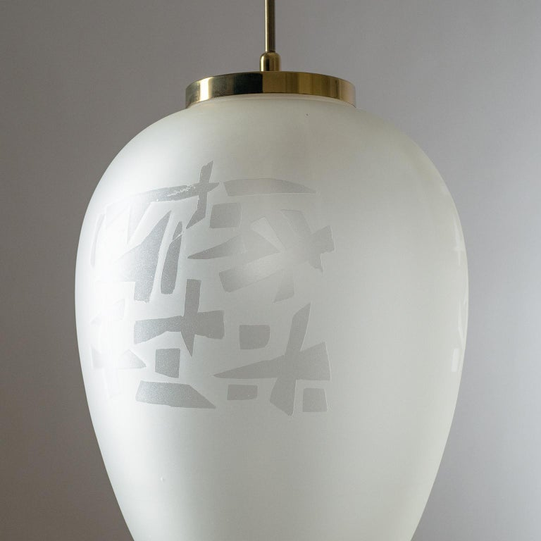 Large Etched Glass Pendant by Angelo Lelii, Arredoluce, 1958 In Good Condition For Sale In Vienna, AT