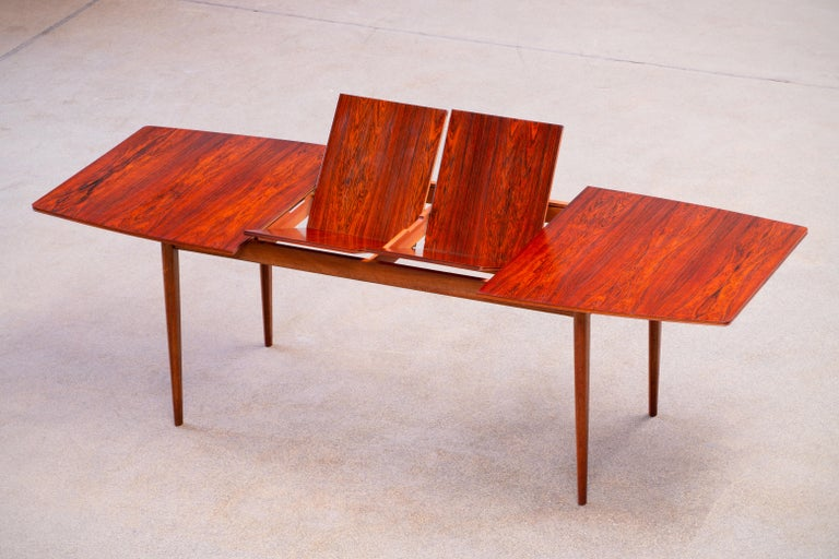 British Large Expendable Rosewood Dining Table by Tom Robertson for McIntosh, 1960s For Sale