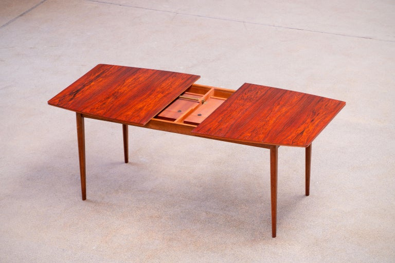 Large Expendable Rosewood Dining Table by Tom Robertson for McIntosh, 1960s For Sale 1