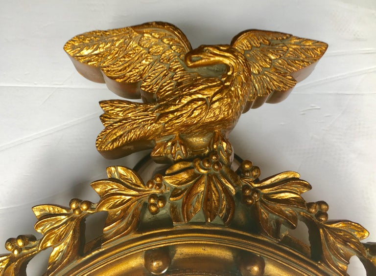 Large Sculptural Federal Style Round Figural Eagle Mirror In Good Condition For Sale In Lambertville, NJ
