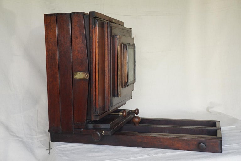 Large Format Box Camera, circa 1915 In Good Condition For Sale In Hudson, NY