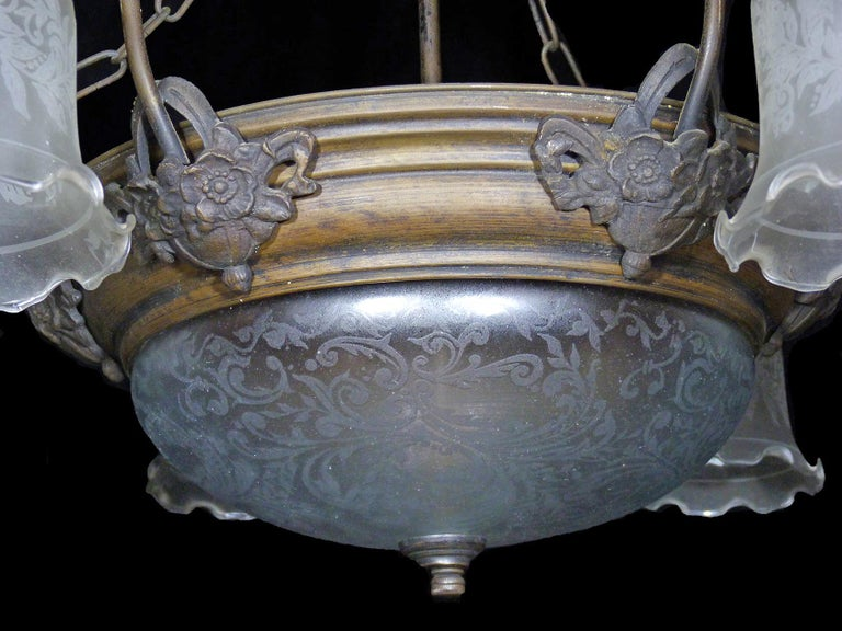 Large French Art Deco and Art Nouveau Etched Art Glass 8-Light Chandelier 1930s For Sale 2