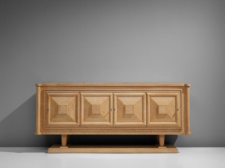Large French Art Deco Sideboard in Oak In Good Condition For Sale In Waalwijk, NL