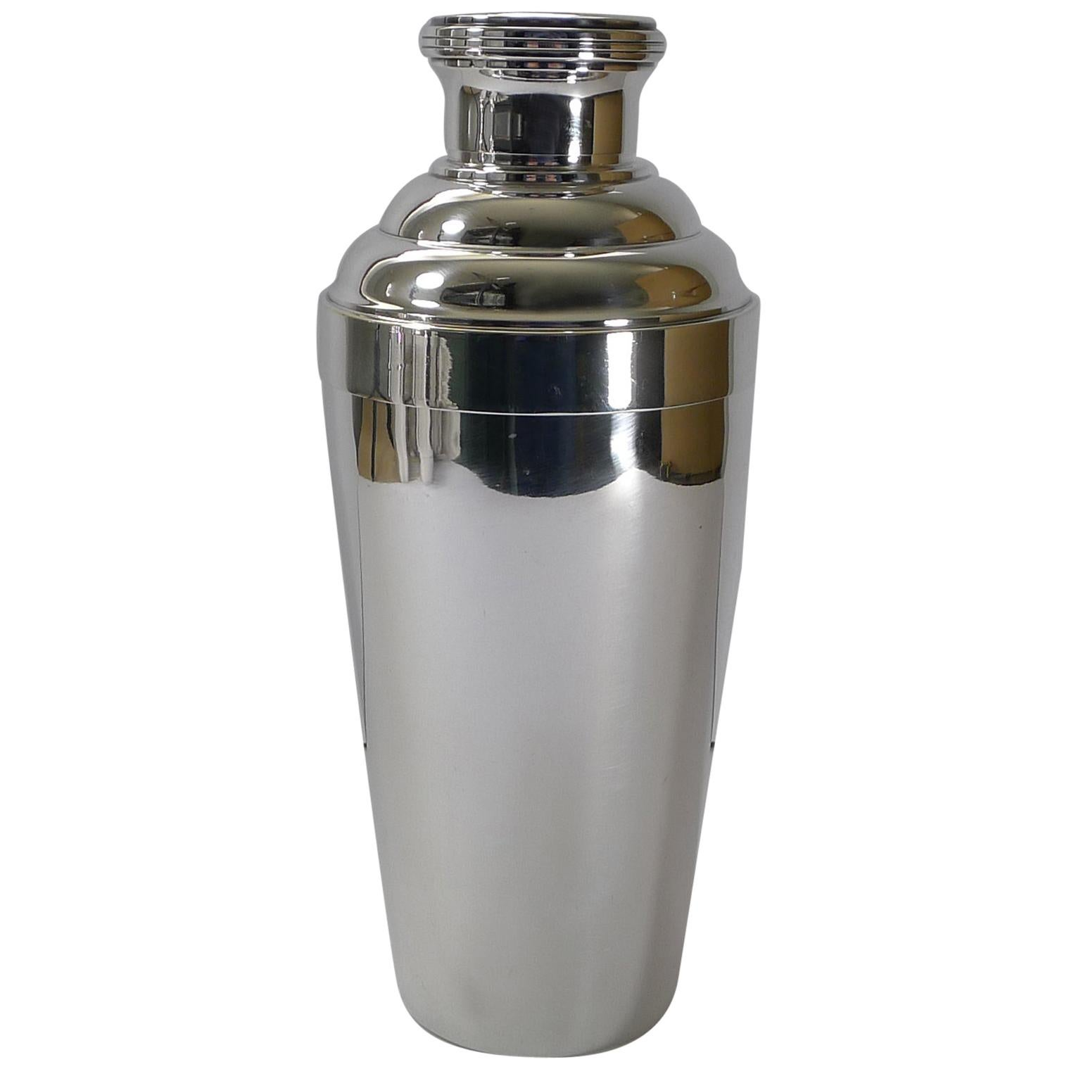 Large French Art Deco Silver Plated Cocktail Shaker, circa 1930s
