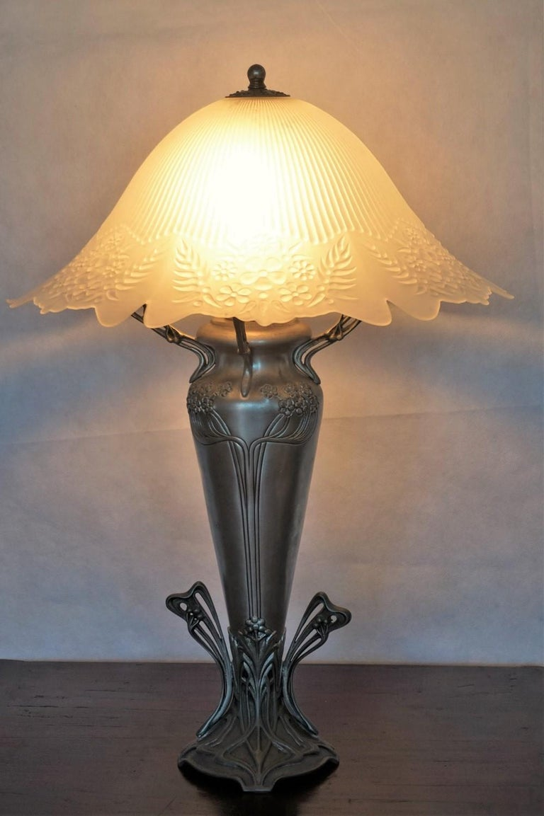 French Art Deco Vase Table Lamp, 1930s For Sale 1