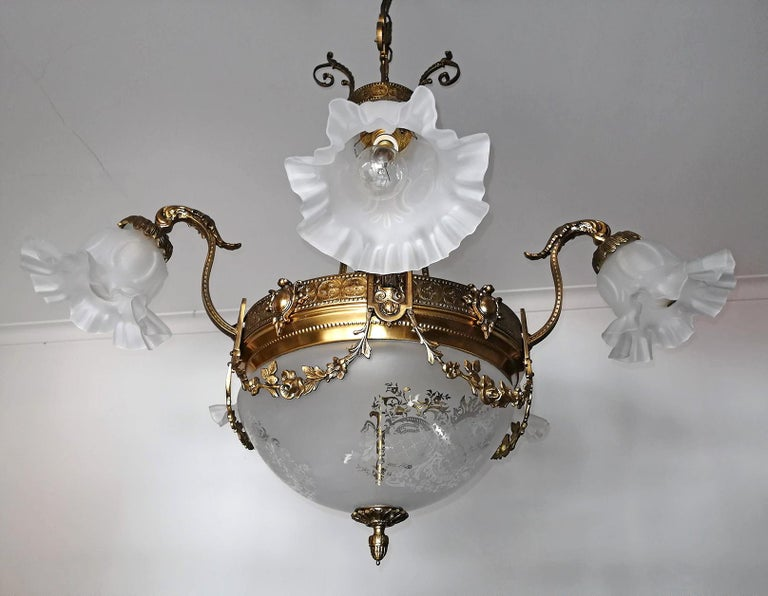 Large French Art Nouveau Empire Caryatids Gilt Bronze Etched & Glass Chandelier In Good Condition For Sale In Coimbra, PT