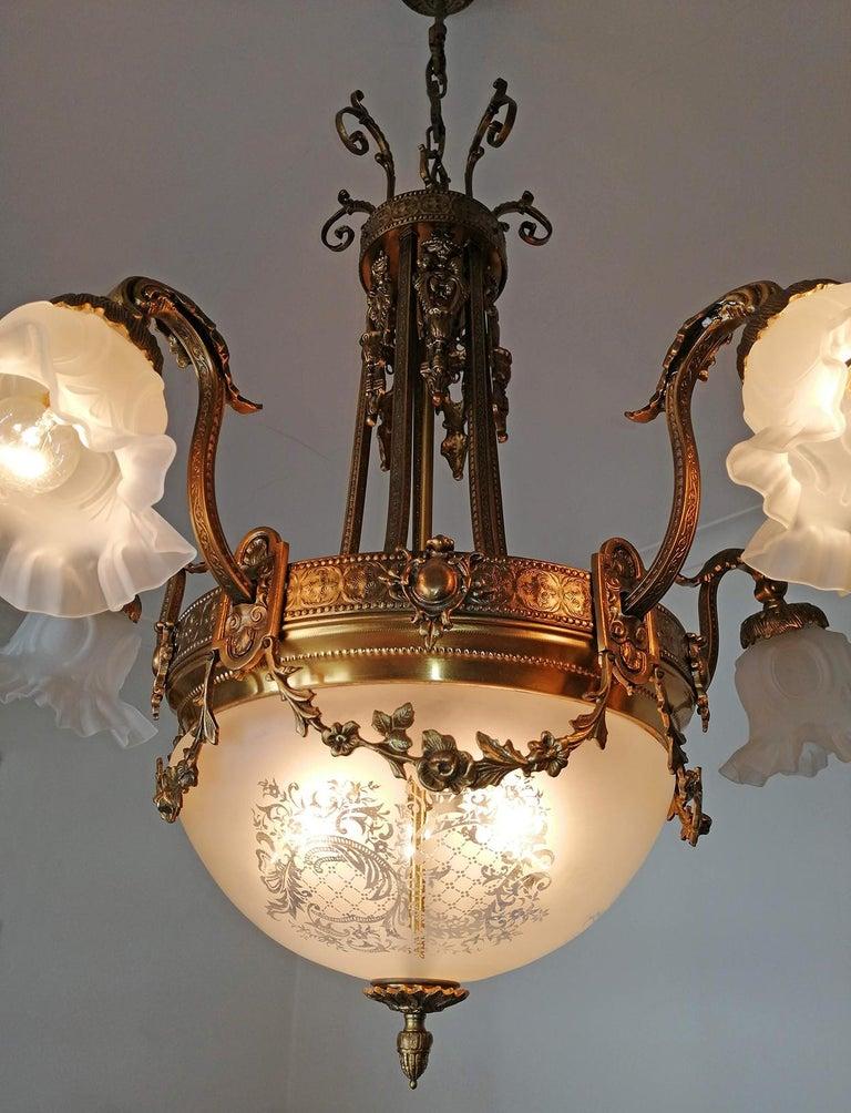 Large French Art Nouveau Empire Caryatids Gilt Bronze Etched & Glass Chandelier For Sale 4