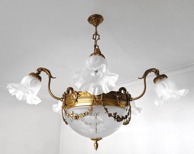 20th Century Large French Art Nouveau Empire Gilt Bronze Etched & Glass Chandelier, c1920 For Sale