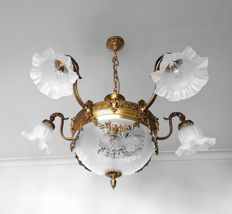 Large French Art Nouveau Empire Gilt Bronze Etched & Glass Chandelier, c1920 For Sale 1