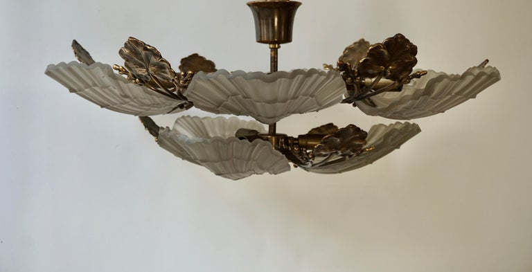 Large French Art Nouveau Hollywood Regency Chandelier, Brass and Glass For Sale 4