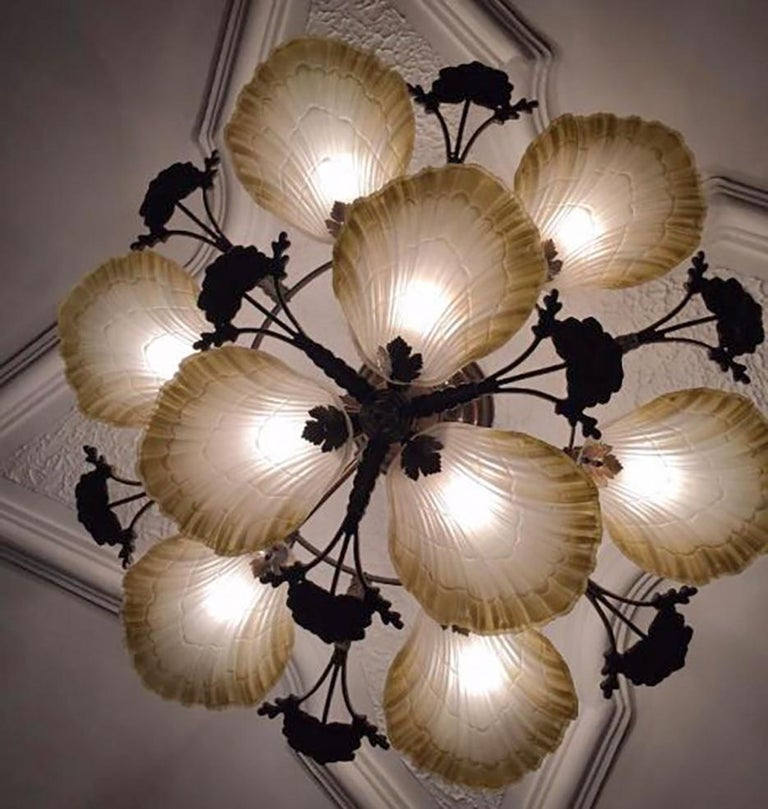 20th Century Large French Art Nouveau Hollywood Regency Chandelier, Gilt Bronze & Amber Glass For Sale
