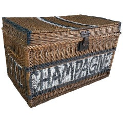 Large French Champagne Wicker Basket Trunk, 1940s, France