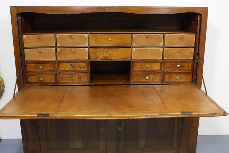 Large French Directoire Period Traveling Secretary In Fair Condition For Sale In Pembroke, MA