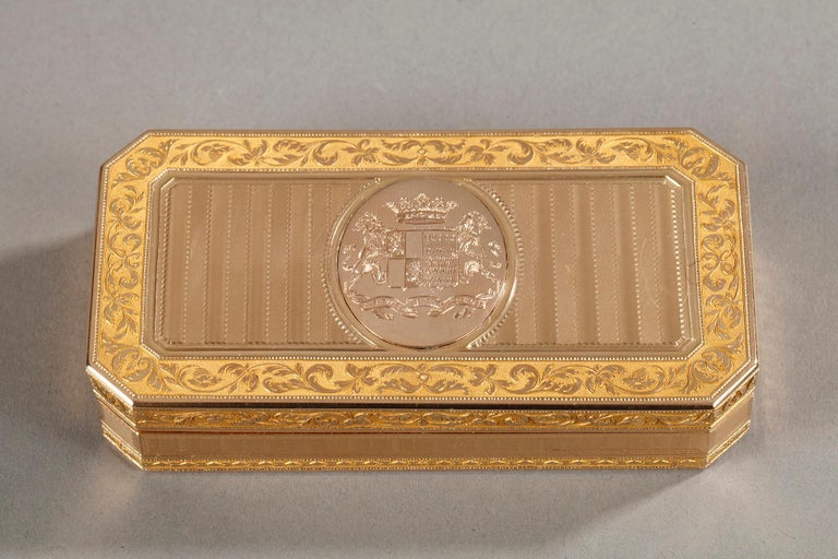 Directoire Large French Gold Snuffbox For Sale